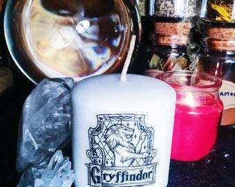 Harry Potter Hogwarts House Crest Candle: Gryffindor