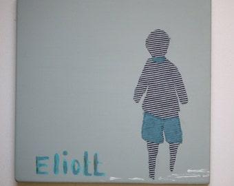 décoration minimaliste chambre bébé, silhouette  de garçon sur la plage, peinture et collage avec prénom enfant,  cadeau naissance original