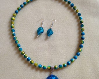 Beautiful lamp beaded necklace and earrings set.