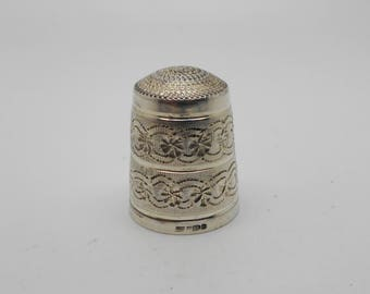 Vintage sterling silver thimble. Hall marked 1988