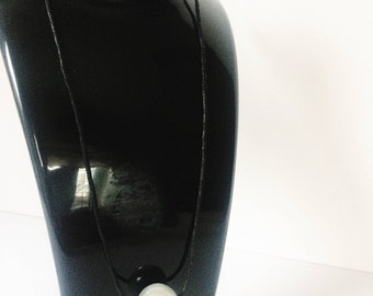 Glow Rox Simple Statement Necklace