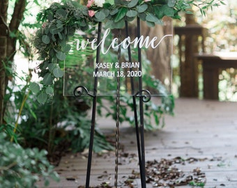Clear Welcome Sign for Wedding, Glass Look Personalized Sign Modern Wedding Decoration Sign Clear Acrylic Welcome Sign (Item - WEC640)