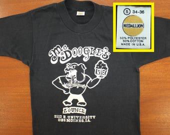 McDoogle's Lounge Des Moines Iowa vintage t-shirt XS/S 70s 80s Medallion tag bulldog bar pub