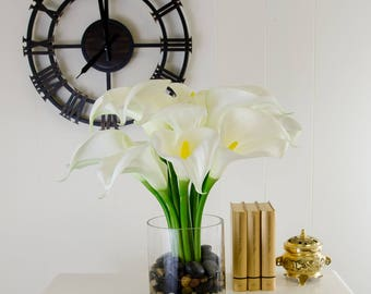 Large Real Touch White Calla Lilies Artificial Flowers Arrangement in Round Glass Vase for Artificial Faux Home Decor