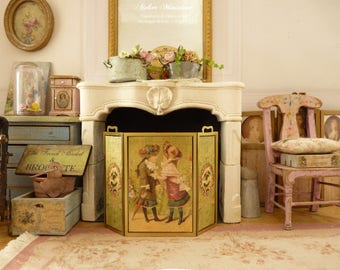 Miniature fire screen in brass, Victorian children, Printed decor, Accessory for French dollhouse in 1:12th scale