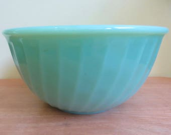 Beautiful Set of 4 1950's Fire King Jadite Swirl Oven Ware Green Mixing Bowls