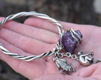 Susan Cummings sterling silver charm bangle bracelet, handmade vintage piece of art, wild animals, raw amethyst stone.