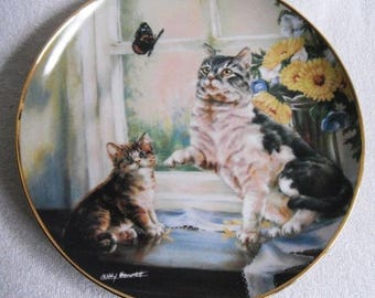 Beautiful collectible-cats-fight of fancy-trimming the tree-Lesley Hammett-Vintage CAT/cats collector plate