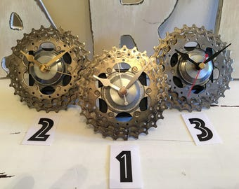 cycling fan bike gear clock mantle desk clock gift for cyclist upcycled bicycle parts recycled bicycle