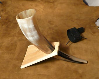 Drinking horn, with stand, great for display or use, very Viking