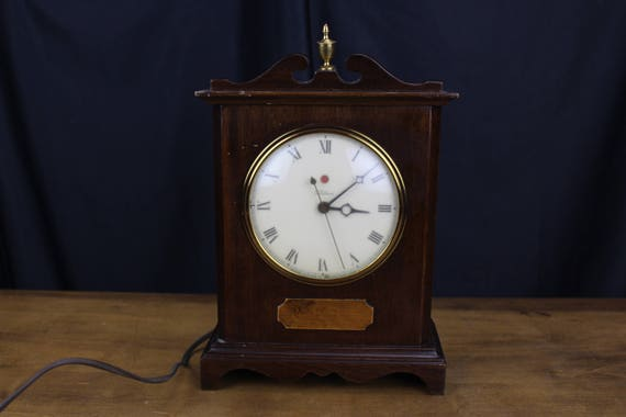 Vtg Telechron Knickerbocker Electric Mantle Clock Wood Red Dot #4H99  Working!