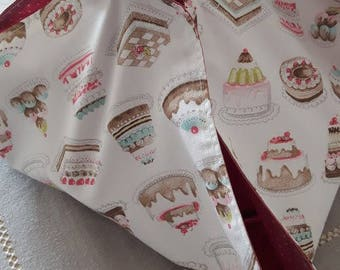 Pie holder in white cotton printed with cute cupcakes