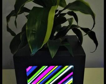 Bright copper planter