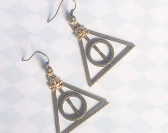 Earrings relics and skull