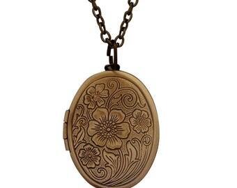 Antique Bronze Oval Picture Locket Charm Pendant Necklace 20 cm