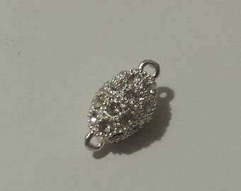 Magnetic clasp oval silver rhinestones