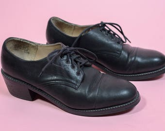 Vintage Women's 90s Brass Plum Leather Heeled Oxfords Black Size 5.5