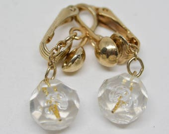 Lovely gold tone and plastic bead earrings