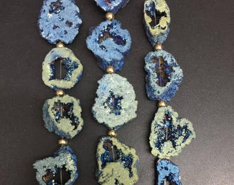 11pcs,Titanium Blue Green druzy Agate geode Freeform Slabs,Rough Natural Geode pendant bead,Raw drusy Agate necklaces,26-32x30-35mm