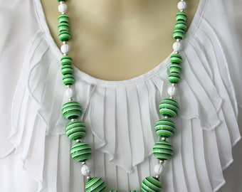 Cheery Green and White Acrylic Bead Necklace