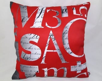 Retro 40 cm x 40cm cushion.