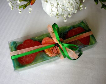 Anniversary Gift for Wife, Green-Apricot Soaps Set for Her,  Luxury Fine Scented Soaps, Golden Handmade Love Necklace, Feast, Birthday Gift