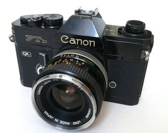 Black Canon FTb with New Light Seals and 28 mm Lens. Ready-To-Use Vintage 1970s SLR Camera with FD Mount Silver Metal f3,5 28 mm Lens