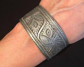 Afghani Breacelet-Antique Cuff-Vintage Bangle-Kuchee jewelery  Statement vintage Breacelet-gypsy-Ethnic-hippy-kuchee-Nomadic