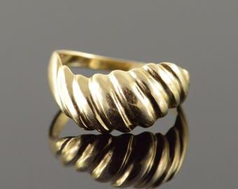 10k Scallop Mound Ring Gold