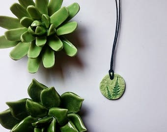 Fimokette with fern print Green