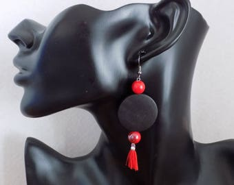 Dangle earring Pearl black and color tassel, red beads