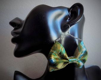 Bowtie green/blue wax chain earring