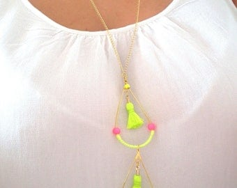 Gorgeous golden necklace and neon colors