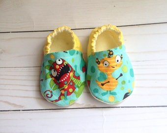 Soft sole baby shoes, baby shoes, crib shoes, baby boy shoes, baby moccs, baby moccasins, newborn baby shoes, baby booties, monster booties