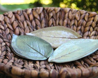 Leaf Ceramic Soap Dish, handmade pottery, leaf imprint, custom pottery, pottery soap dish, spoon rest, bathroom accent, kitchenware
