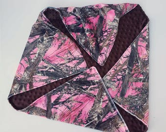 Sale! Pink Camo Minky Baby Blanket- READY TO SHIP, camo baby blanket, crib bedding, baby bedding, baby shower gift, baby girl Camouflage
