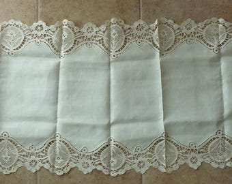 White Linen Bobbin Lace-trimmed Table Runner - Early 20th Century