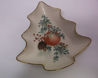 """Lenox Candy Dish """"Boxwood & Pine"""" Christmas Tree Shaped Gold Trimmed Holiday - Williamsburg Collection - Perfect condition"""