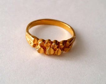 Vintage gold plated nugget ring size 9