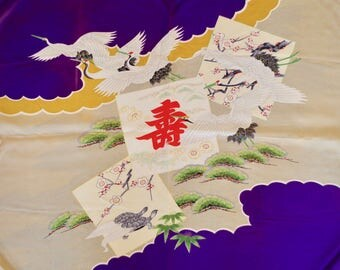 FUROSHIKI(風呂敷) Furoshiki are square shaped cloths used in Japan to wrap items and carry them. The design of traditional pattern of Japan.