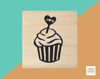 Lovely Cupcake - 1.5cm Rubber Stamp (DODRS0187)