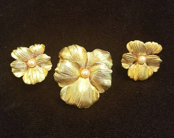 Vintage Hobe Pansy Brooch and Earring Set