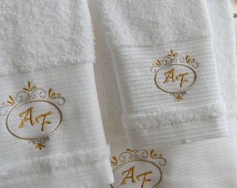 5* Personalized Bath Towels - Wedding Gift - Bath sheet, Hand towel, Guest towel - Ref. Deluxe