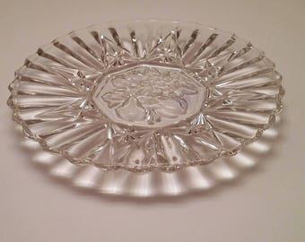 Federal Glass Pioneer Pattern Sandwich Plate