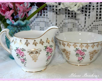 Colclough, England: White creamer & sugar bowl with pink roses