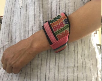 wrist pouch with Peruvian texile - pink