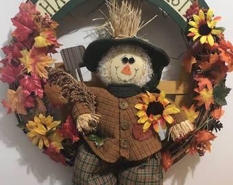 Big Fall Scarecrow wreath. Fall Wreath, Scarecrow Wreath, Front Door Decor, Fall Decor, Wall Decor Happy Harvest