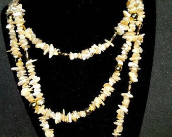 BEAUTIFUL Mother Of Pearl chip Necklace