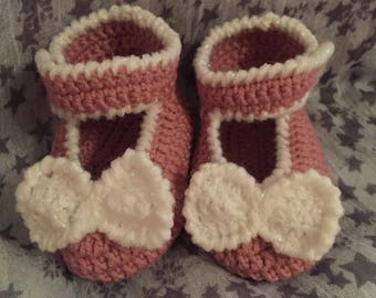 Baby bow booties 3-6 months