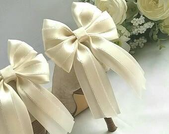 Shoe clips, ribbon shoe bows, wedding,shoe accessory,bridal, satin, ivory, long tails,Uk